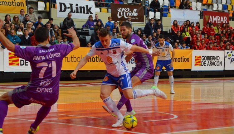 Una acción durante el Fútbol Emotion Zaragoza (0-2) Palma Futsal | Pedro Luis Serrano
